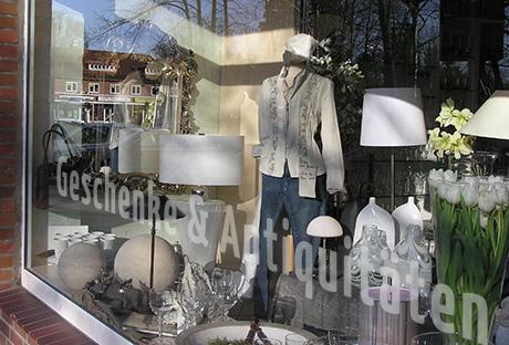 schaufensterbeschriftung online schaufenster beschriftung schaufensterbeschriftung. Black Bedroom Furniture Sets. Home Design Ideas